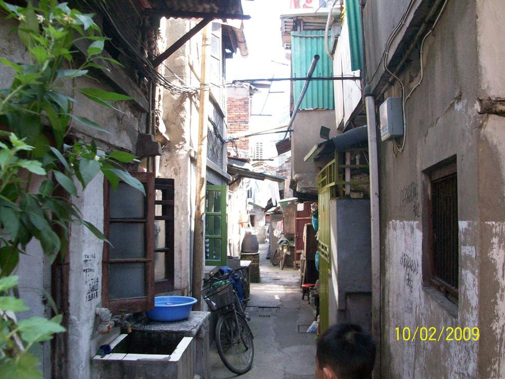 外国人游上海的感受:老外大呼太贵了(组图)_